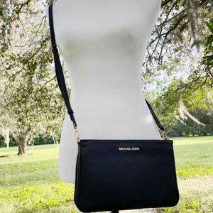 Michael Kors Crossbody Black pebbled leather